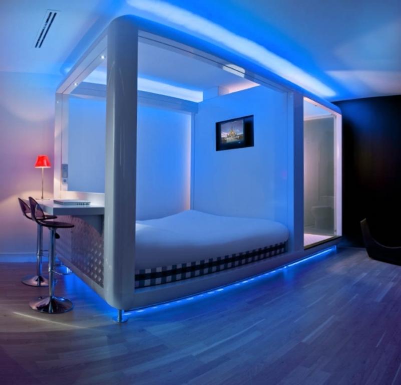 neon ceiling lights photo - 7