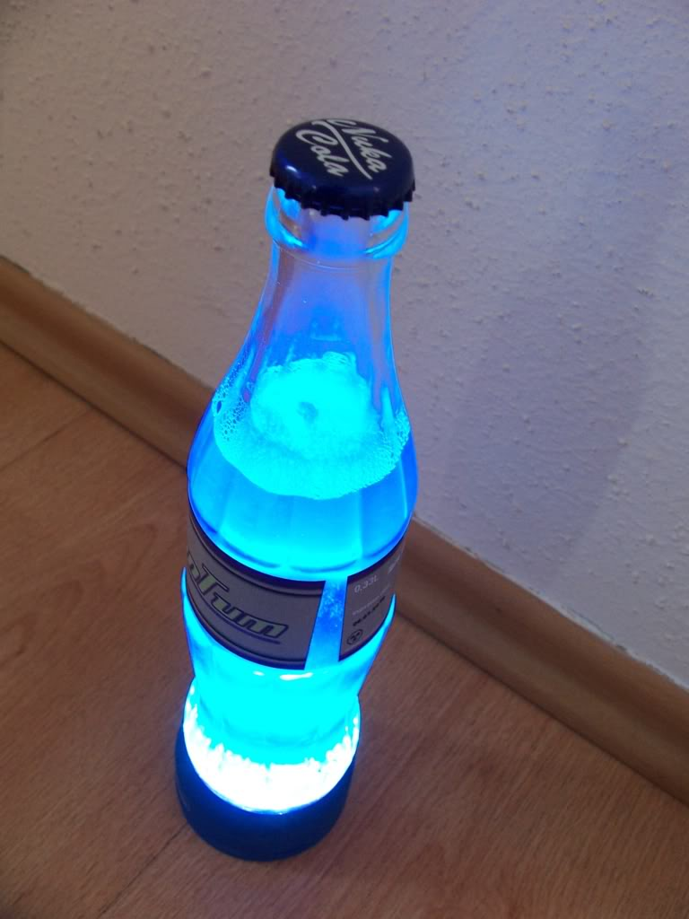 With A Variety Of Choice The Nuka Cola Quantum Lamp Can Be Used To Outline  The Environment Differently Through The Use Of Color Combination.