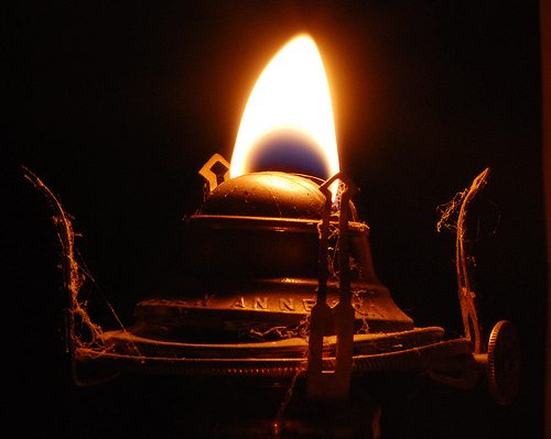 oil burning lamps photo - 3