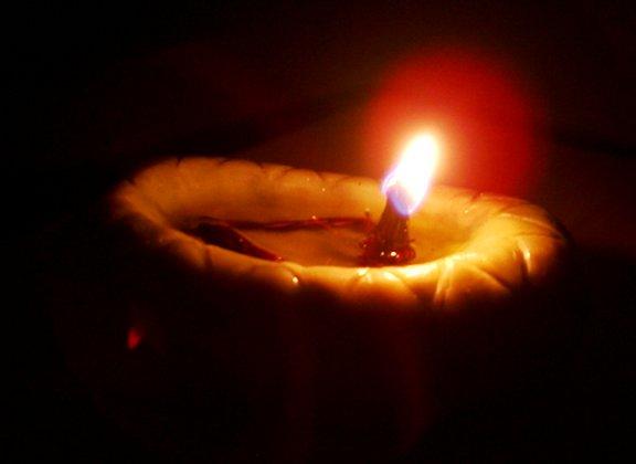 oil burning lamps photo - 4