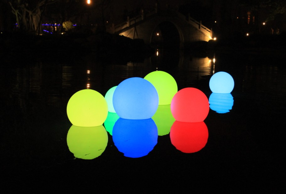 outdoor ball lights photo - 5