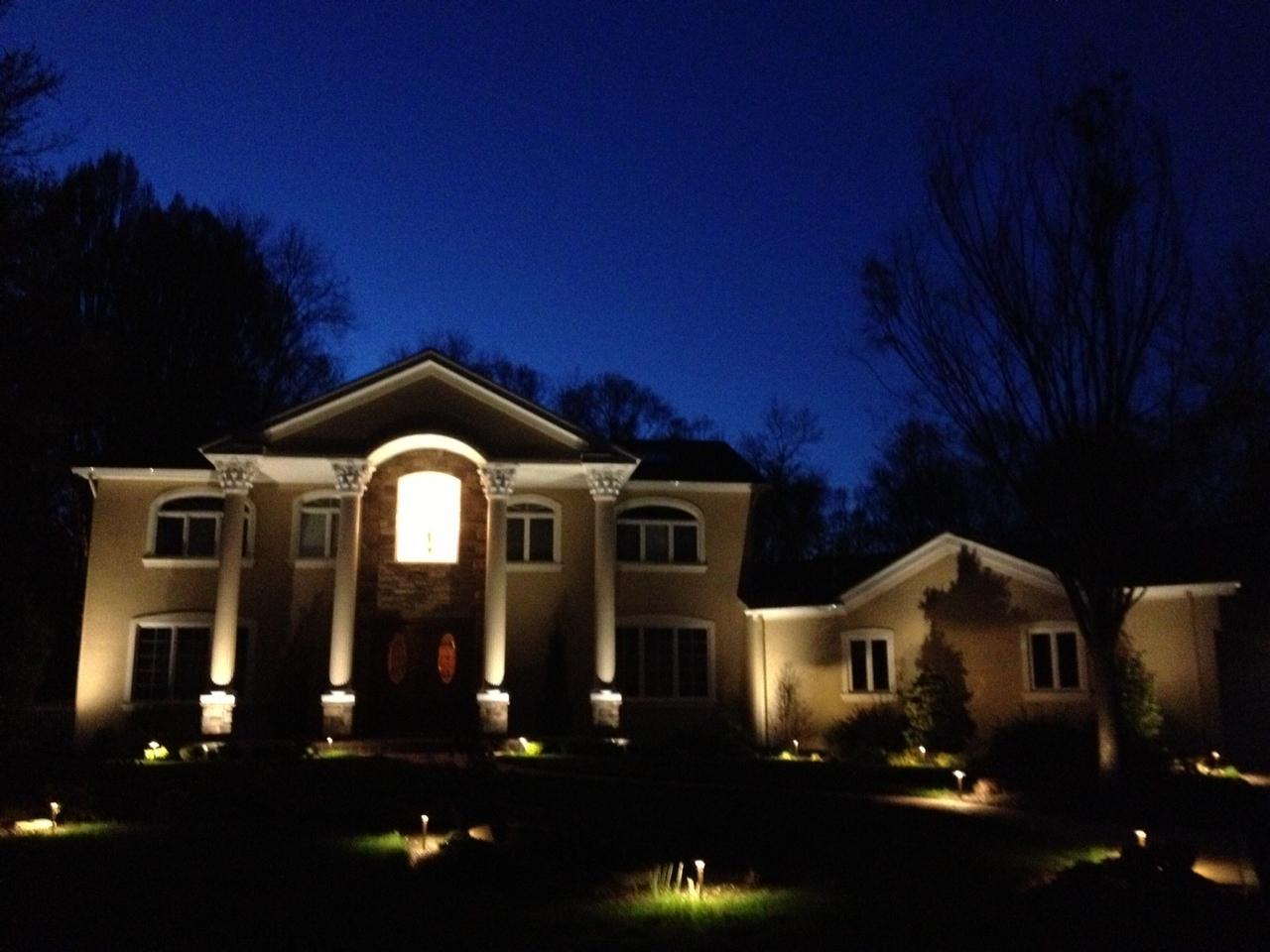 outdoor column lights photo - 9