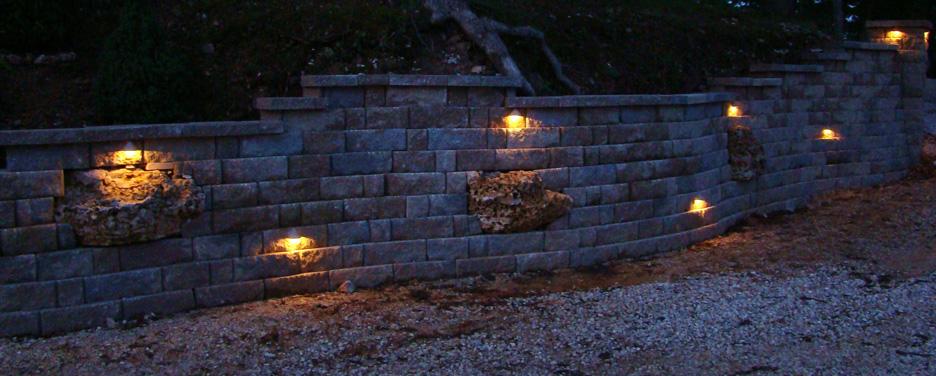 retaining wall lights photo - 2