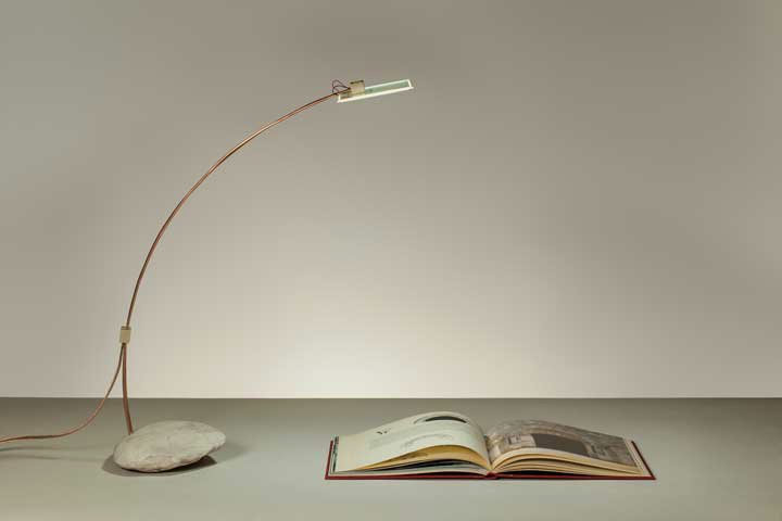 simple table lamp photo - 8