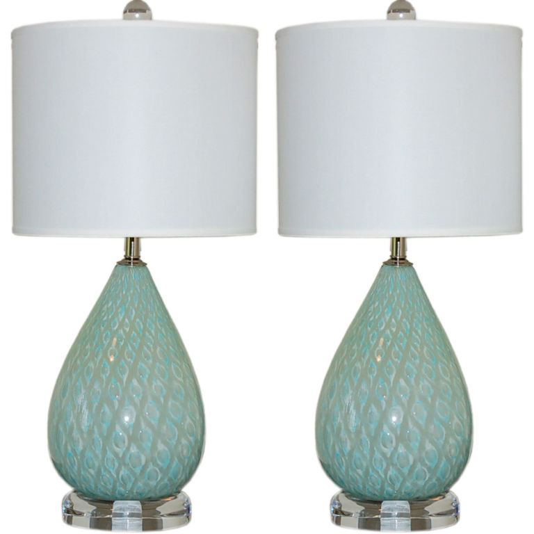 small bedside table lamps great decorations to set the mood for your. Black Bedroom Furniture Sets. Home Design Ideas