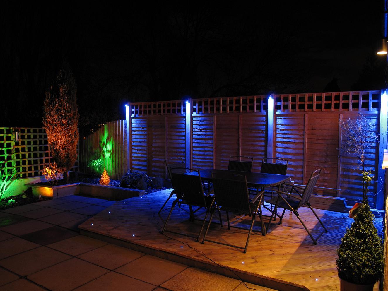 solar garden wall lights photo - 5