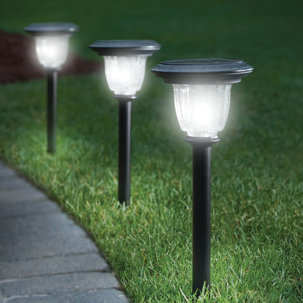 Beautiful Solar Powered Outdoor Lamp Warisan Lighting Idea