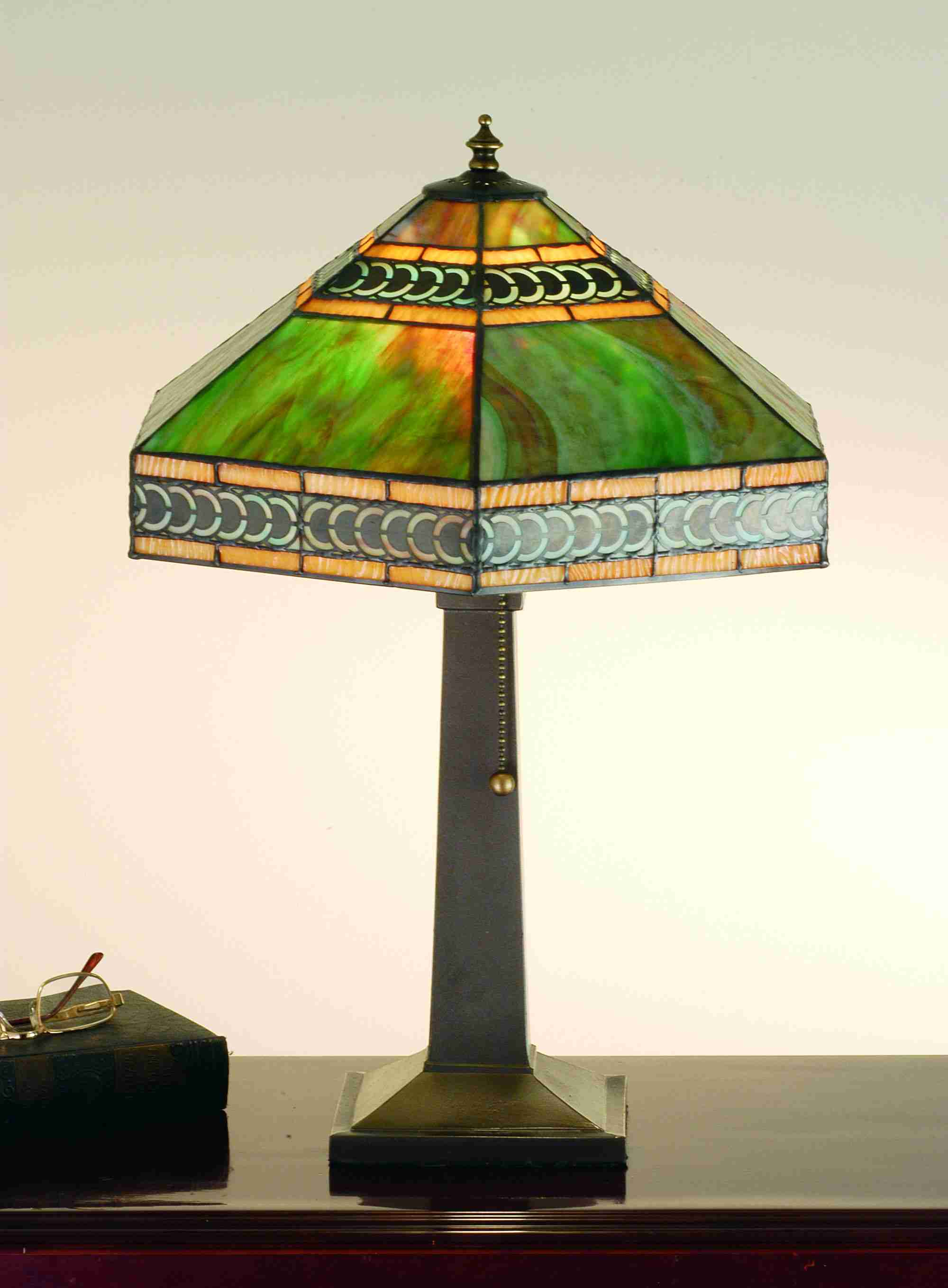 stained glass lamps photo - 10