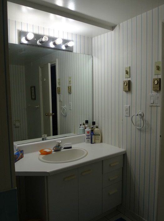 vanity wall mirror with lights photo - 10