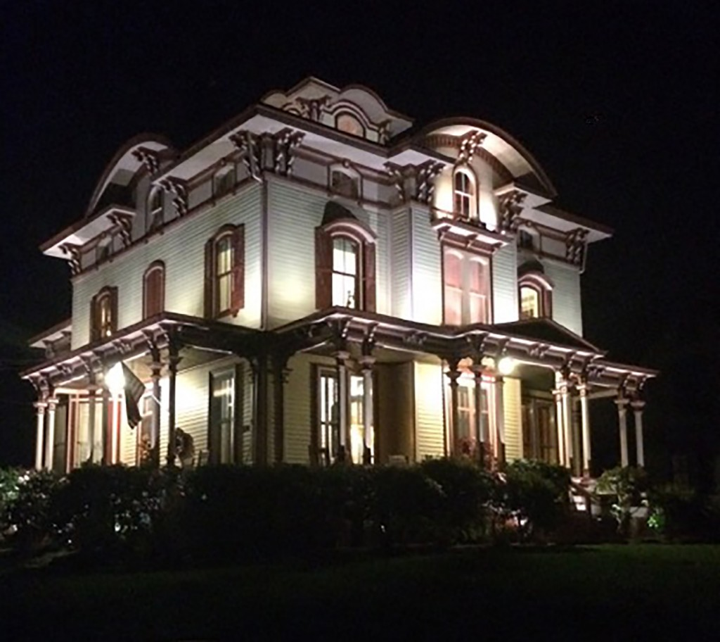 victorian outdoor lights photo - 1