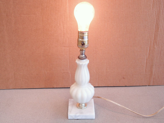 vintage underwriters laboratories portable lamp photo - 10