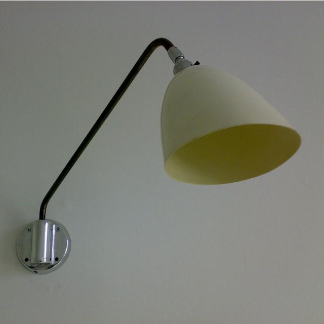 wall bedside lights photo - 10