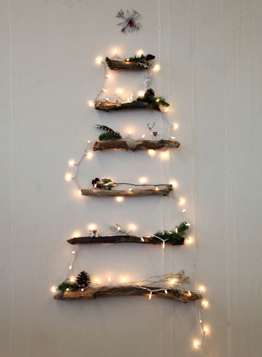 wall christmas tree with lights photo - 10