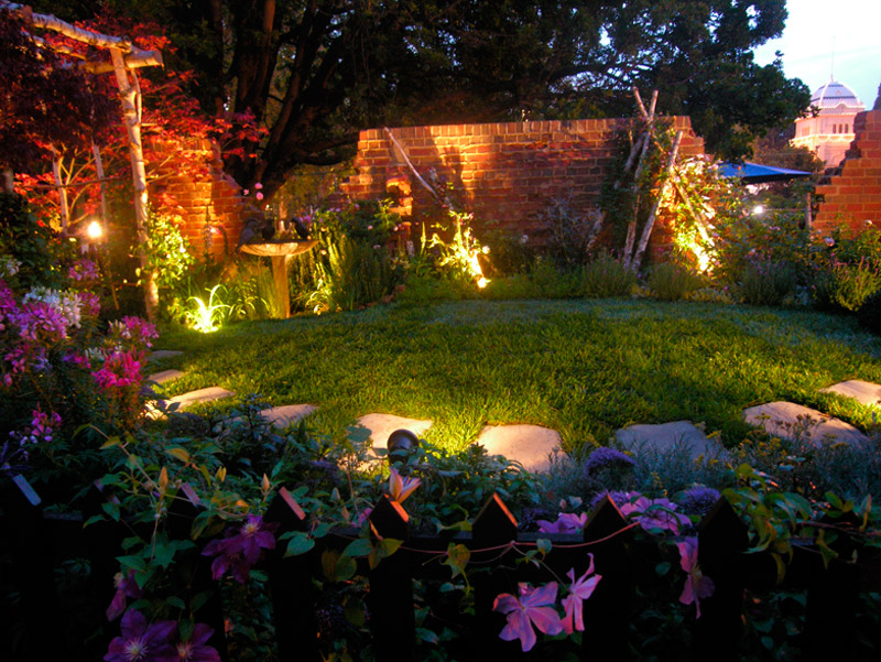 wall garden lights photo - 1