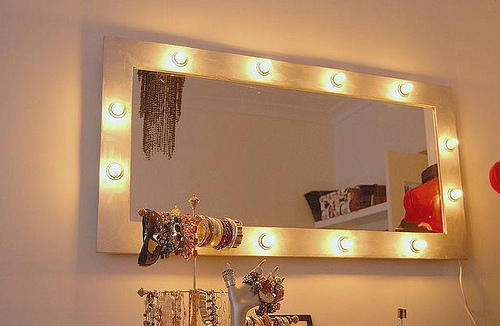 wall lighted makeup mirror photo - 5