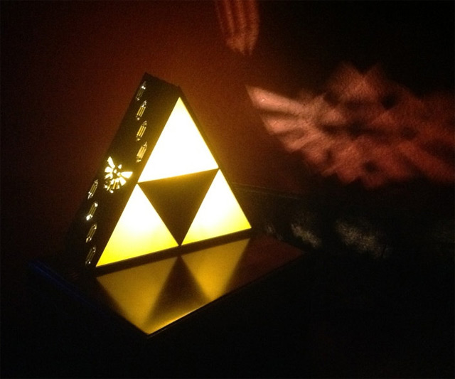 zelda triforce lamp photo - 3